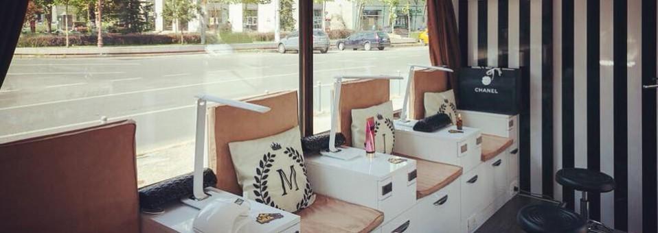 MIA, singurul salon mobil de manichiură-pedichiură din Europa